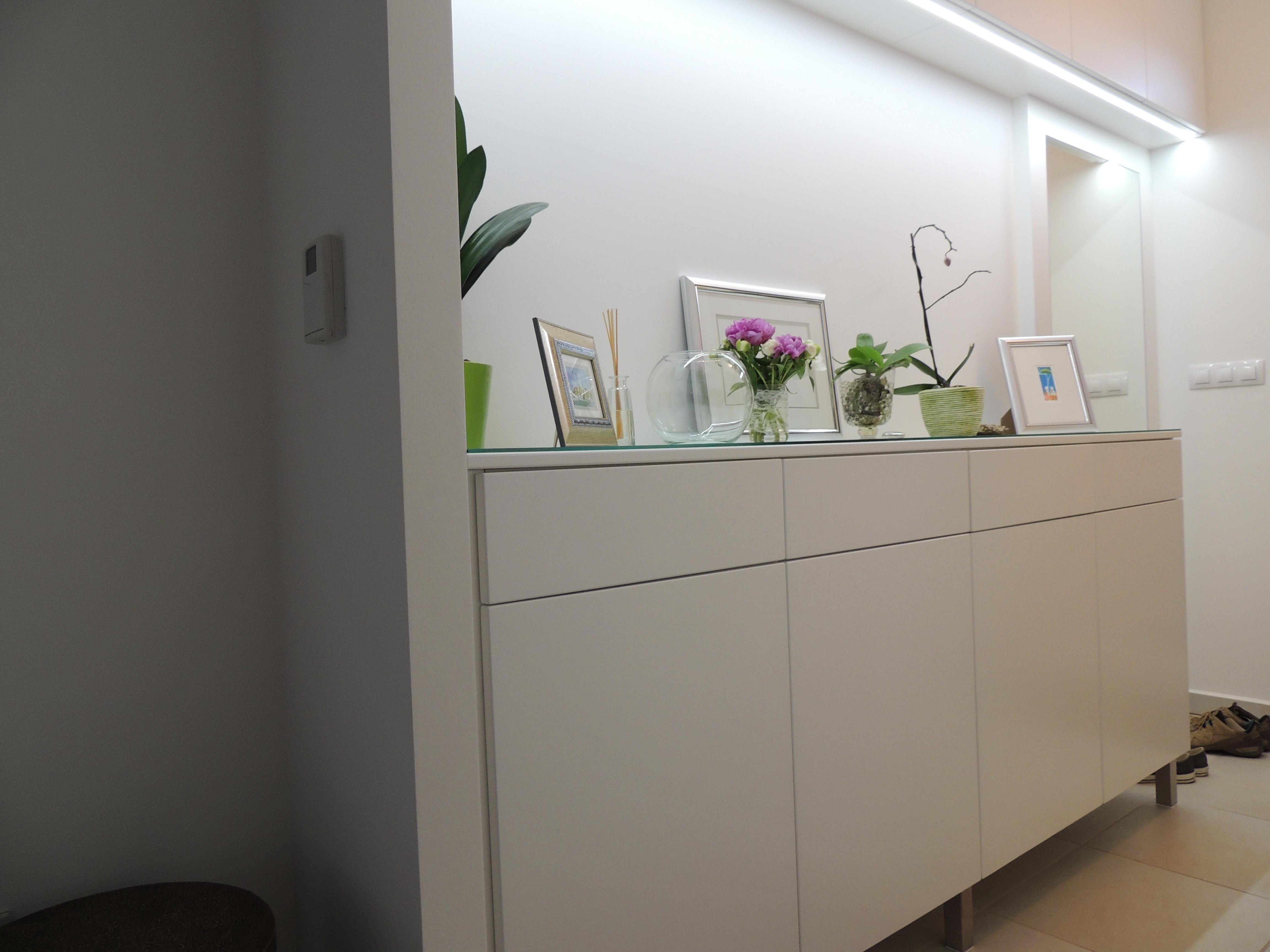 m bel f r das vorzimmer s rga fagy ngy bt. Black Bedroom Furniture Sets. Home Design Ideas